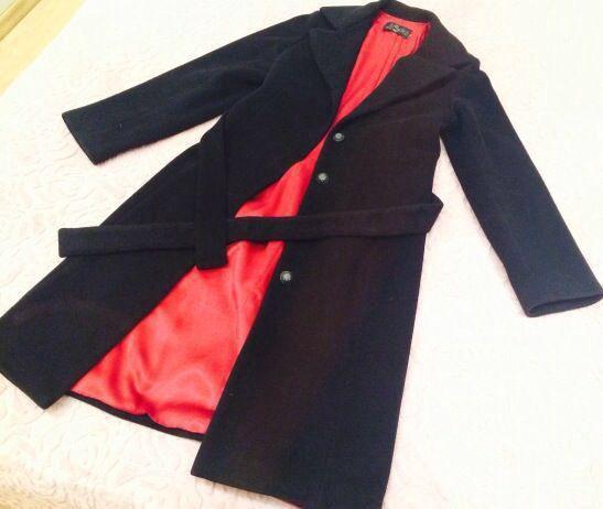 Стильное классическое пальто. Фото 1.