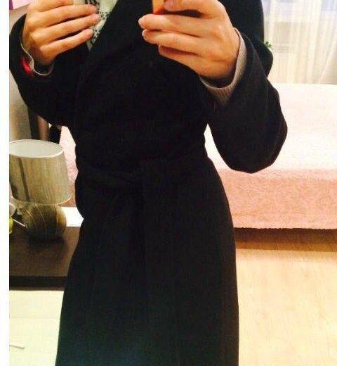 Стильное классическое пальто. Фото 3.