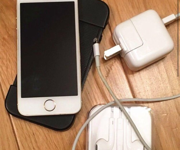 Iphone 5s 32gb. Фото 1.