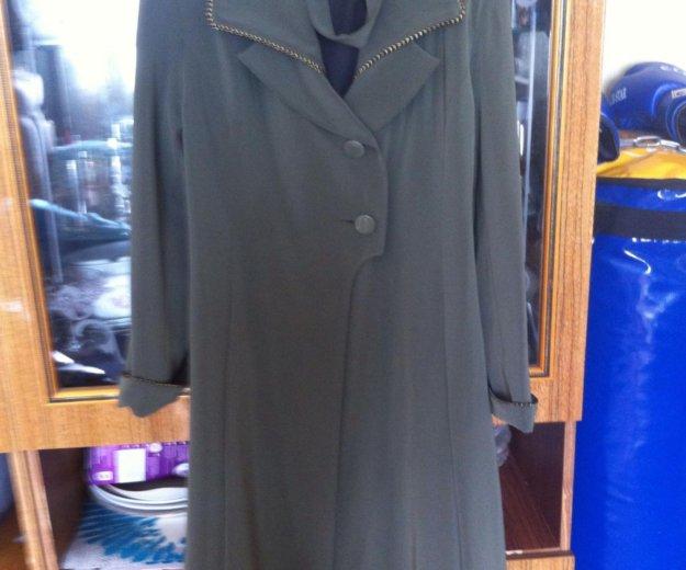 Пальто кримпленовое лёгкое. Фото 1.