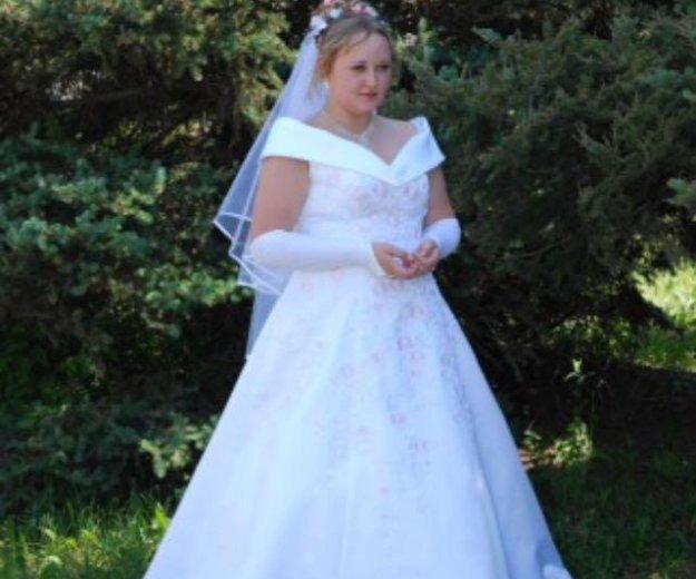 Свадебное платье большого размера. Фото 1.