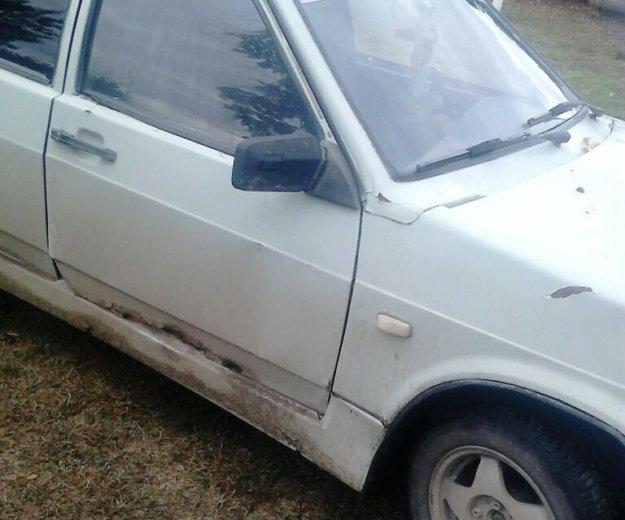 Автомобиль ваз 2109. Фото 3.