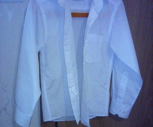 Рубашка белая на мальчика 110-116. Фото 1.