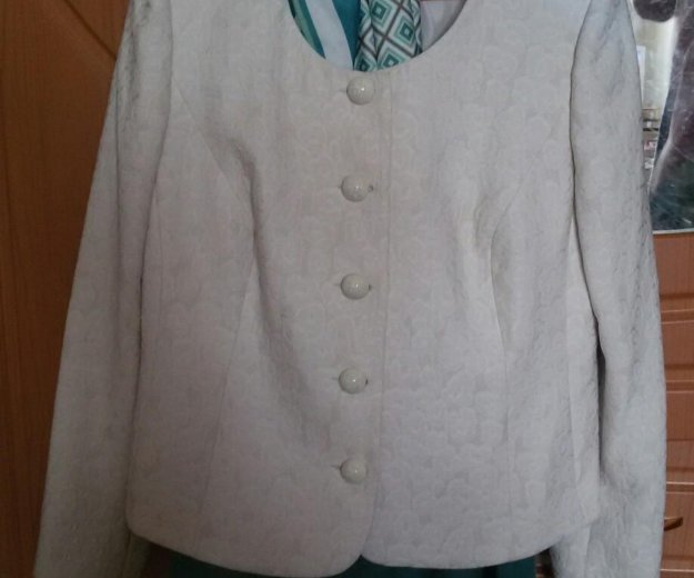 Женский костюм. юбка пиджак платок. Фото 1. Набережные Челны.