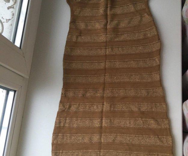 Золотое платье. Фото 1. Кострома.