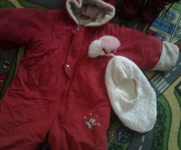 Зимний комбинезон,ботинки шапка шлем. Фото 1.