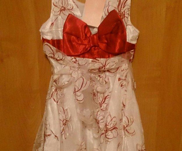 Нарядное белое платье с красным бантом. Фото 2. Санкт-Петербург.