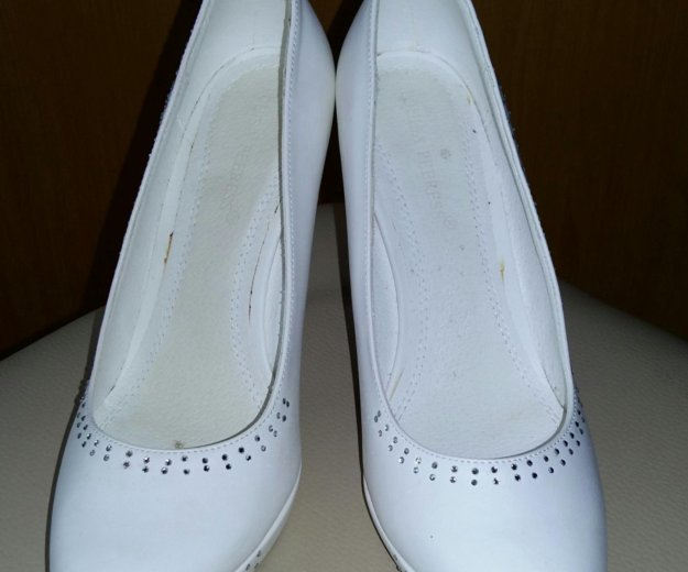 Свадебные туфли р 38. Фото 1. Южно-Сахалинск.