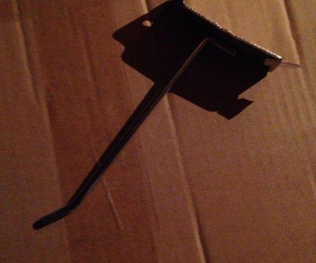 Подставки под телефоны, крюки. Фото 2. Железнодорожный.