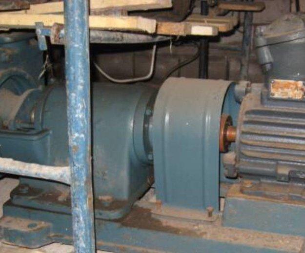 Электродвигатель 5,5квт 2980об/мин 2в100l2 взрывни. Фото 3. Пермь.
