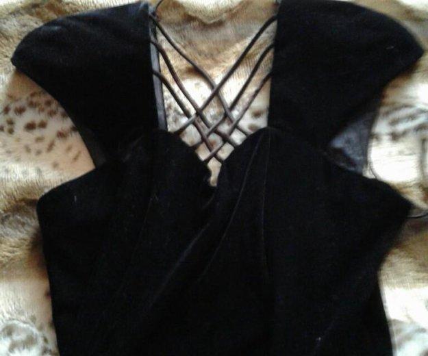 Вечернее платье. Фото 2. Разумное.