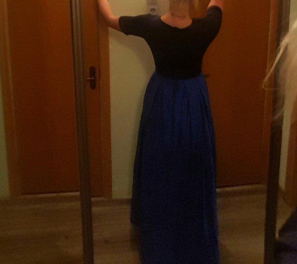 Платье вечернее со шлейфом плотное. Фото 3. Москва.
