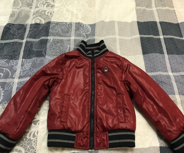 Двусторонняя весенняя куртка. Фото 1. Кемерово.