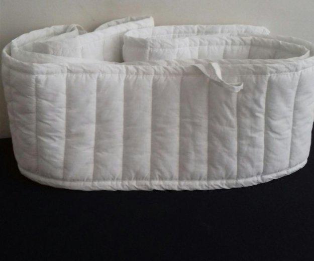 Бортик в кроватку. Фото 1.