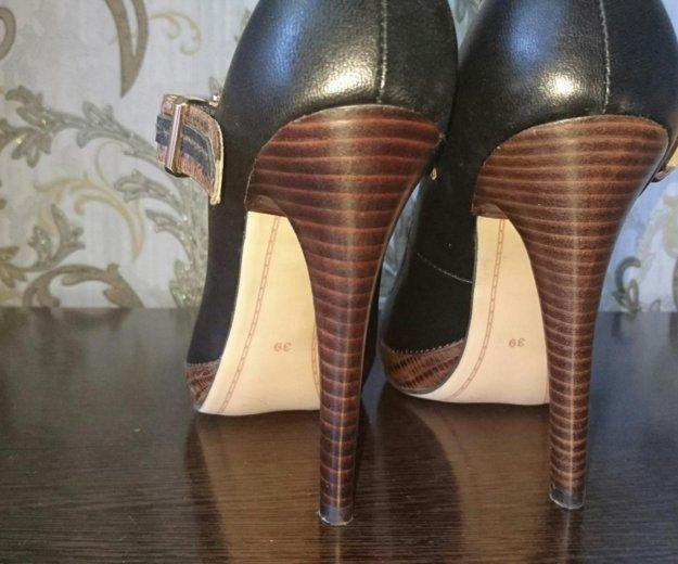 Туфли кожанные р.39- новые, черные. Фото 2. Туапсе.