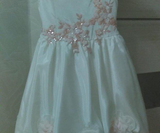Платье на девочку 5-7лет. Фото 1. Находка.