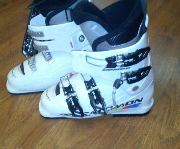 Продам горнолыжные ботинки.размер 24см. Фото 1.