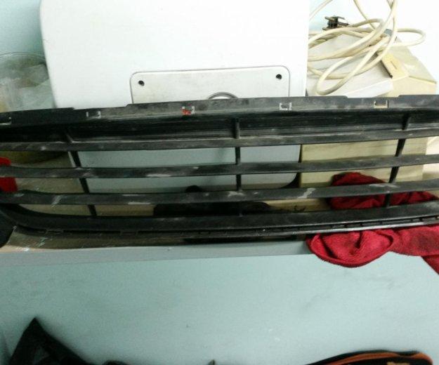 Решетка нижняя переднего бампера hyundai solaris. Фото 3. Котельники.