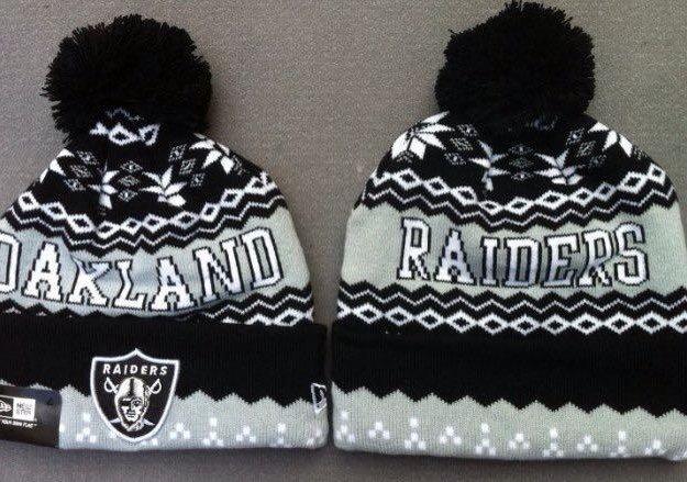 Зимняя шапка с логотипом клуба raiders. Фото 1. Москва.