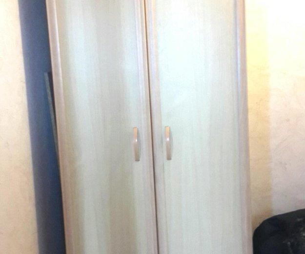 Шкаф пенал для одежды. Фото 1.