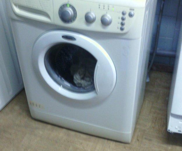 Узкая стиральная машин   whirlpool. Фото 2. Тюмень.