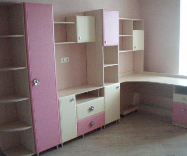 Стол со шкафами в детскую. Фото 1. Пенза.