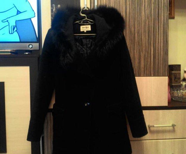 Утепленное пальто с капюшоном (натуральный мех). Фото 4. Москва.