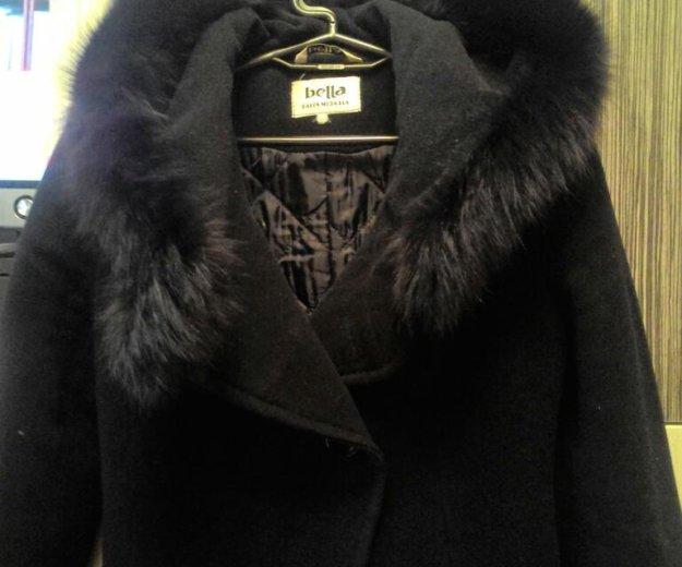 Утепленное пальто с капюшоном (натуральный мех). Фото 3. Москва.