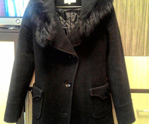 Утепленное пальто с капюшоном (натуральный мех). Фото 2. Москва.