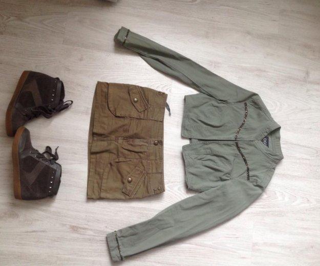 Юбка,пиджак,ботинки bershka милитари. Фото 1. Санкт-Петербург.