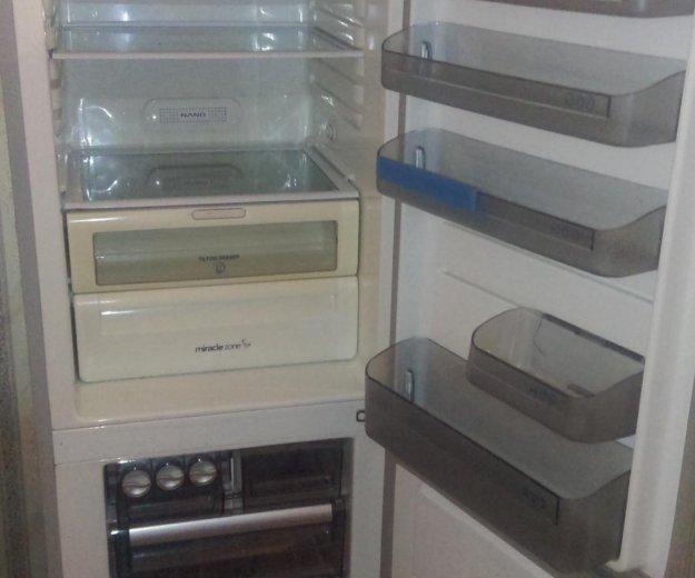 Холодильники. Фото 3. Москва.