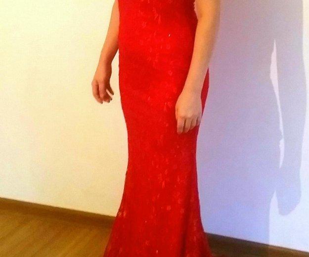 Платье вечернее со шлейфом шикарное цвет красный. Фото 1. Москва.