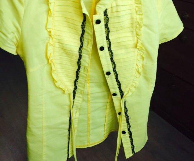Желтая блуза. Фото 1. Пермь.
