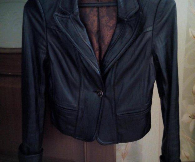Кожаный пиджак. Фото 1. Санкт-Петербург.
