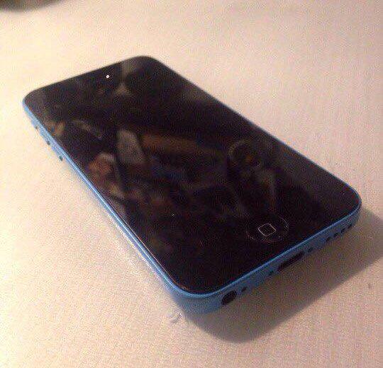 Iphone 5c. Фото 1.