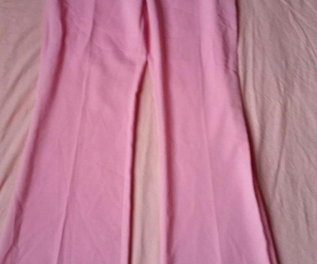 Розовые брюки. Фото 4. Москва.