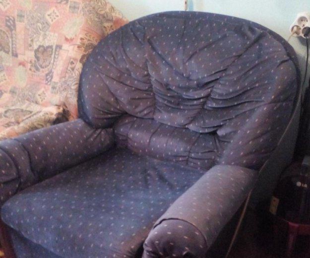 Диван и 2 кресла. Фото 1.