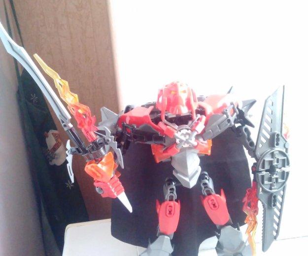 Лего робот из коллекции bionicle. Фото 1. Омск.