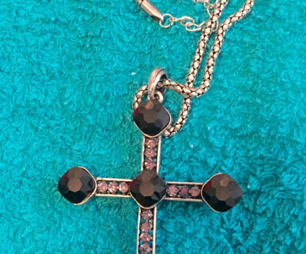 Крест с камнями. Фото 1. Раменское.