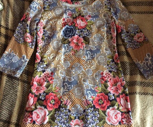 Платье 42 размер. Фото 1. Москва.
