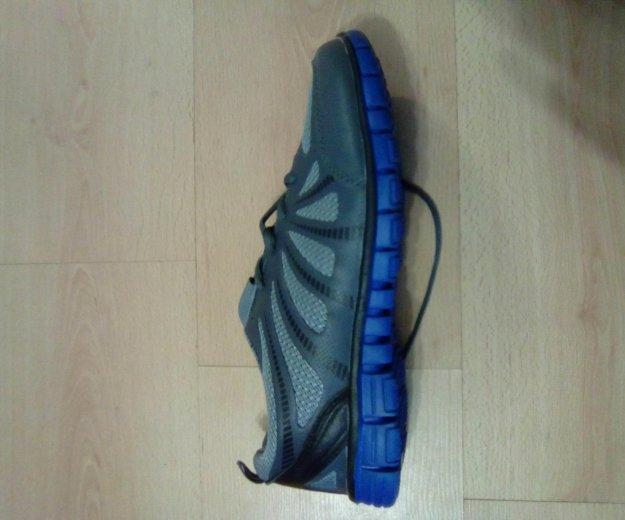 Спортивные кроссовки  42-й размер. Фото 2.