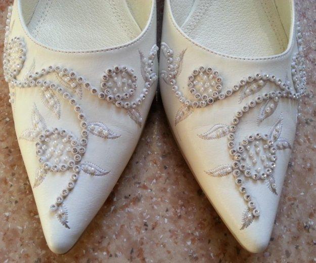 Туфли белые 41 размера. Фото 3. Кемерово.