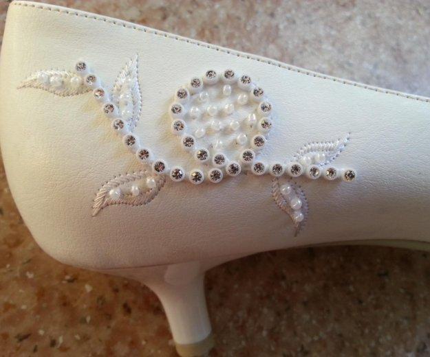 Туфли белые 41 размера. Фото 4. Кемерово.