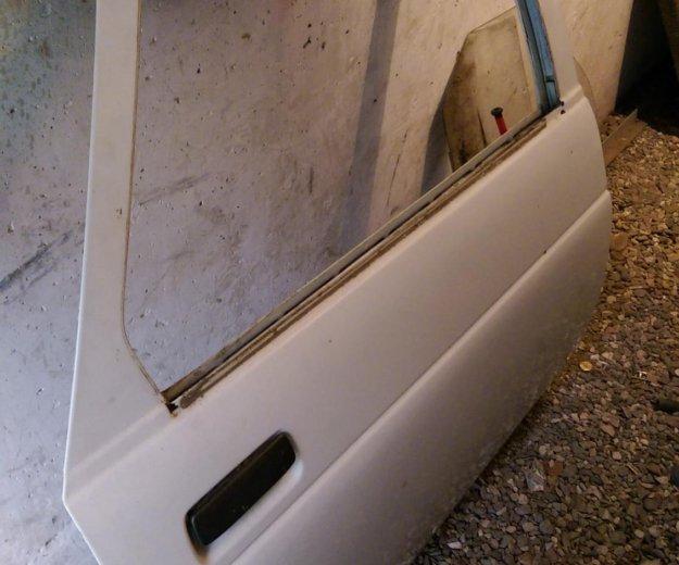 Двери от ваз 2110. Фото 1. Самара.