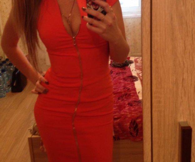 Оранжевое платье. Фото 3. Москва.