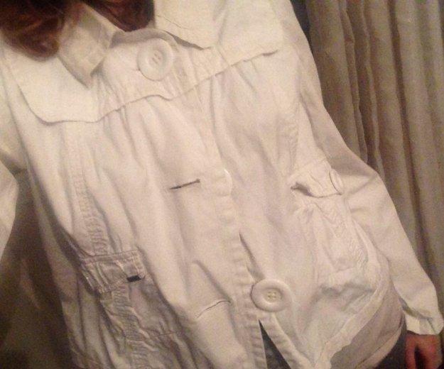 Легкая куртка naf-naf. Фото 2.