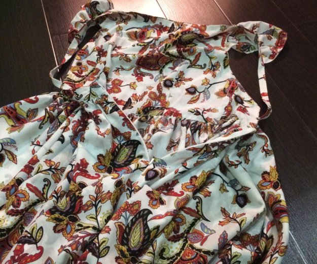 Платье с открытой спинкой. Фото 2.
