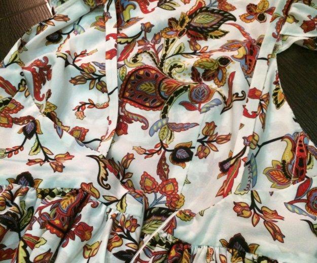 Платье с открытой спинкой. Фото 3.