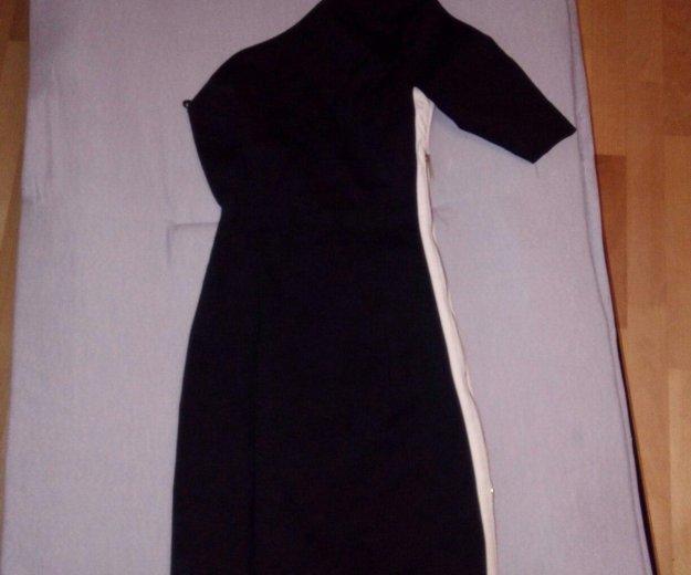 Черное маленькое платье.  в идеальном состоянии.. Фото 1. Омск.