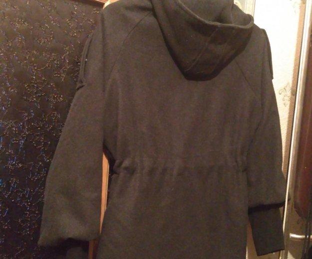 Легкое пальто с капюшоном. Фото 4. Москва.